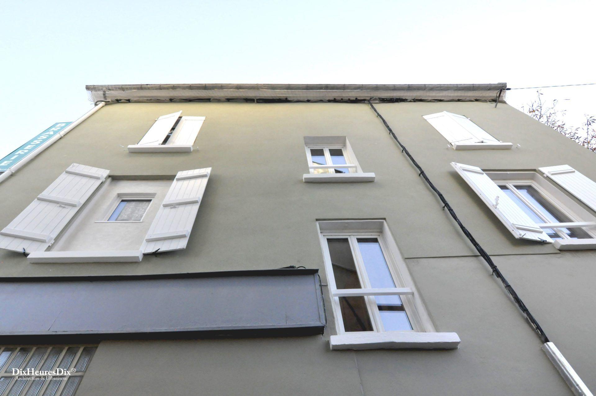 Zoom sur les ouvertures de la façade