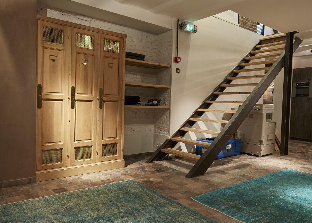 Escalier en bois sans rampes, bois de chêne